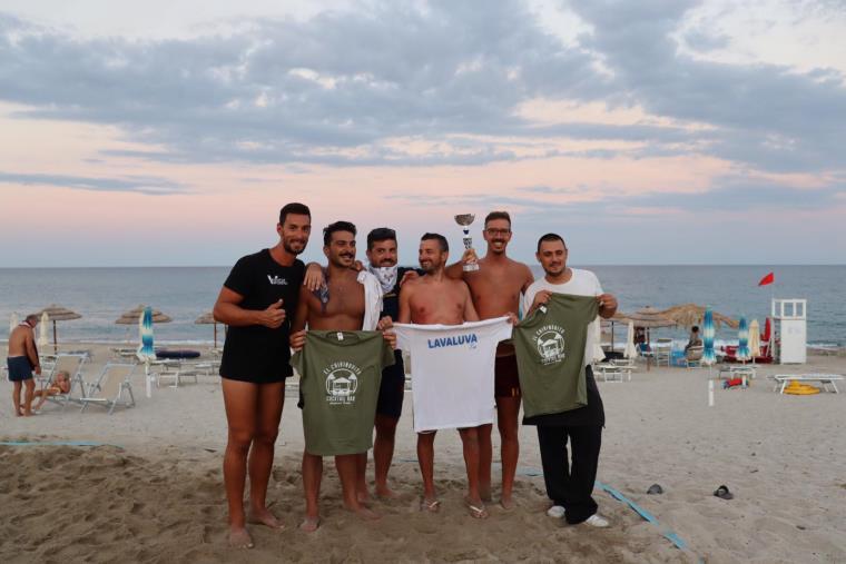 images I Lavaluva conquistano il torneo di beach volley all'HbarH di Davoli