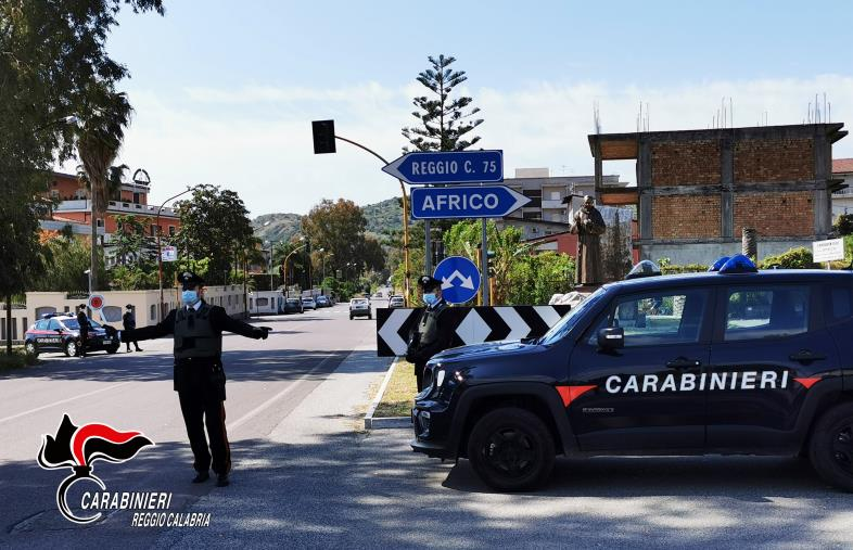 In giro per Bianco fuori dagli orari consentiti: 50enne arrestato