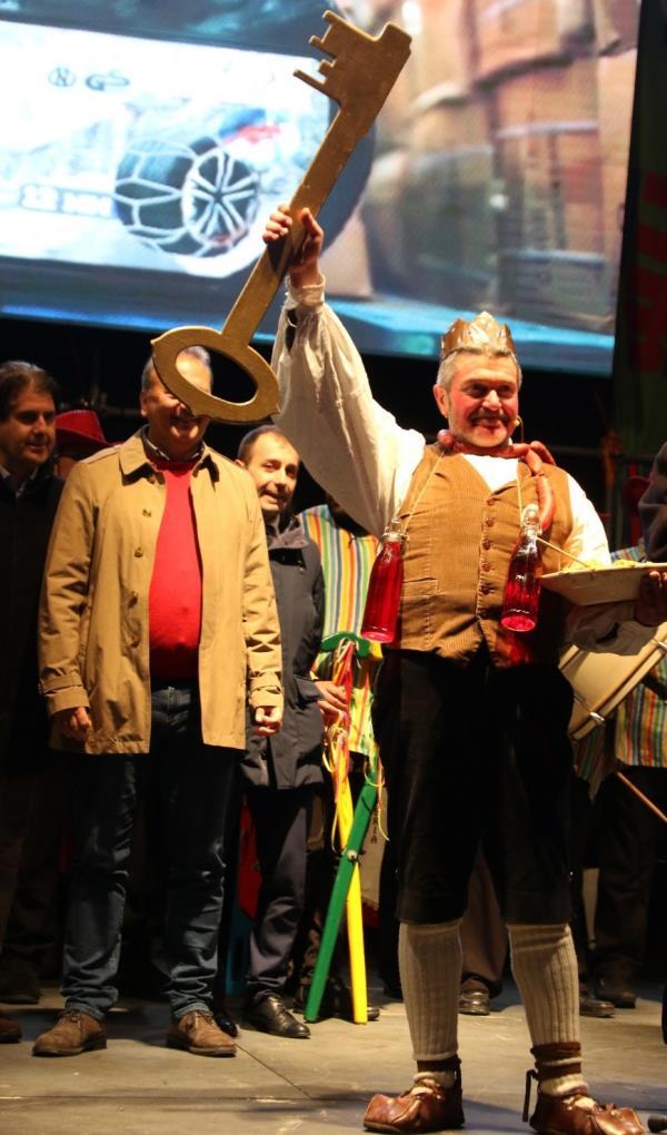 images A Castrovillari è Carnevale, al via i festeggiamenti con il tradizionale corteo del giovedì grasso