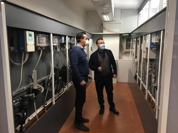 images Calabretta (Sorical) in visita all'impianto di potabilizzazione Alaco dove è in funzione la nuova sala analisi di processo on line