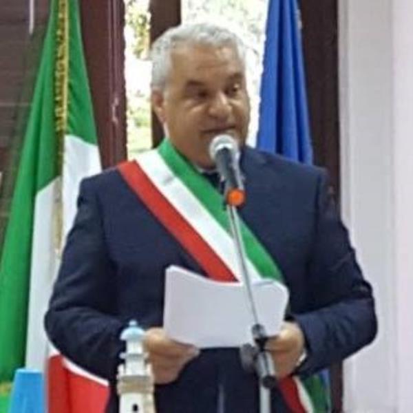 """images Santa Caterina allo Ionio. Il sindaco: """"Di fronte all'inciviltà non saremo tolleranti!"""""""