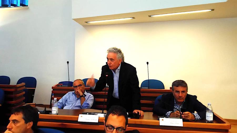 images Catanzaro, il Pd si spacca. Lorenzo Costa contro il governatore