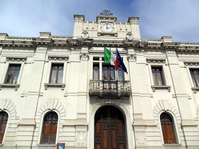 images Acqua non potabile a Reggio Calabria, ecco dove è stato vietato l'utilizzo