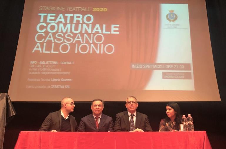 images Flavio Insinna inaugurerà la stagione teatrale di Cassano l'1 marzo