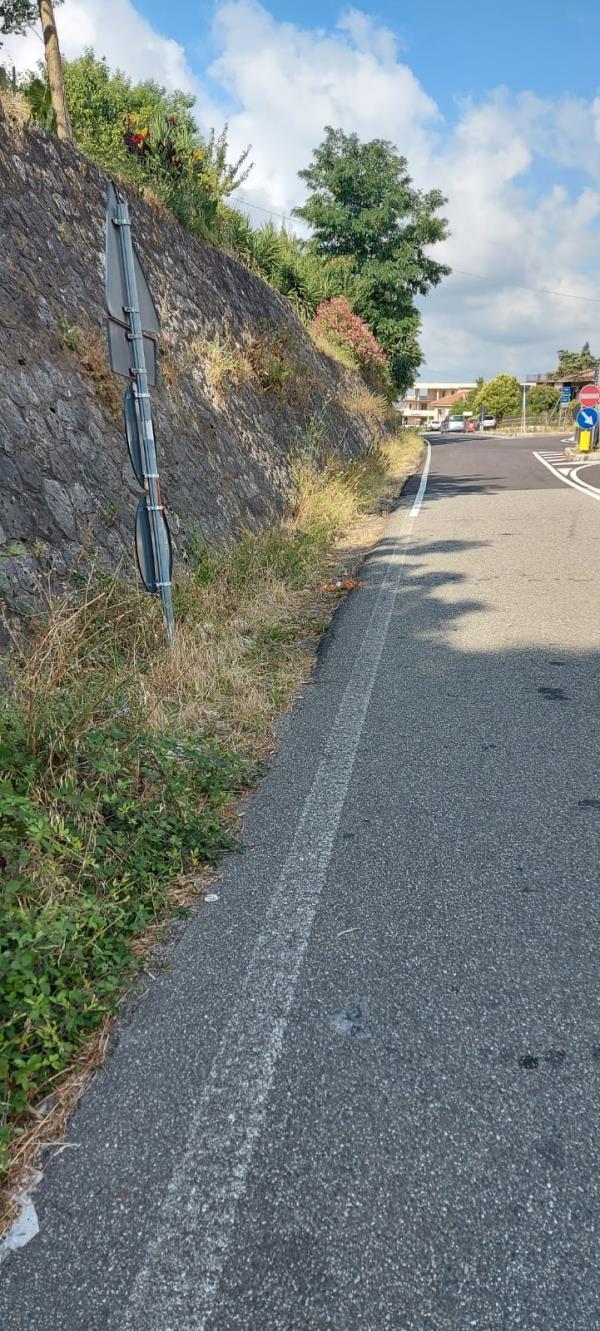 """images Strade provinciali, il sindaco Scerbo: """"Strada chiusa e lavori non ultimati, biglietto da visita disastroso"""""""
