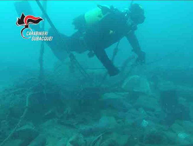 images Sversamento di rifiuti a Bagnara: sequestrata l'area portuale