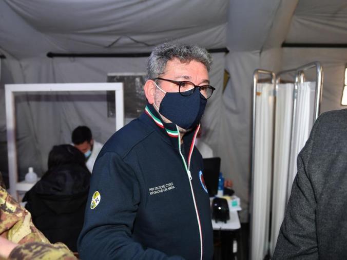 """images Vax day, Spirlì esulta: """"Un successo. Oggi oltre 15mila somministrazioni"""""""