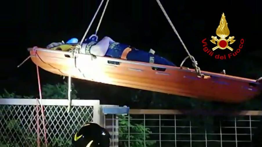 images Catanzaro. Una donna si lancia dal ponte Morandi e cade nella vegetazione: salvata
