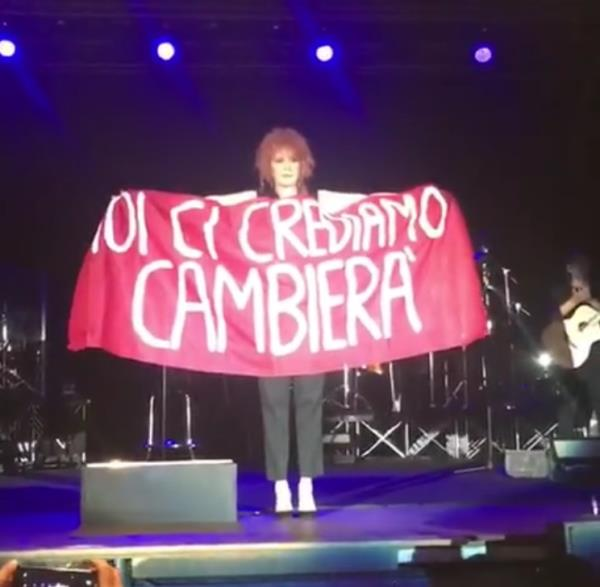 images Soverato: Fiorella Mannoia, la musica e l'impegno sociale (VIDEO ED INTERVISTE AI FAN)