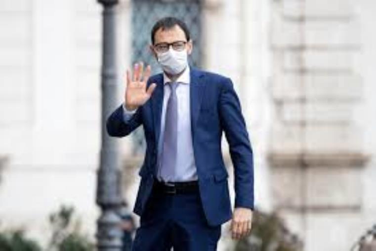 images Incendi. Il ministro Patuanelli arrivato in Cittadella: incontrerà i sindaci dei Comuni colpiti