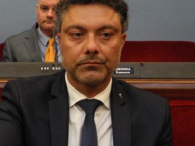 """images Crisi di governo, il consigliere comunale di Catanzaro, Battaglia: """"Si torni al voto"""""""