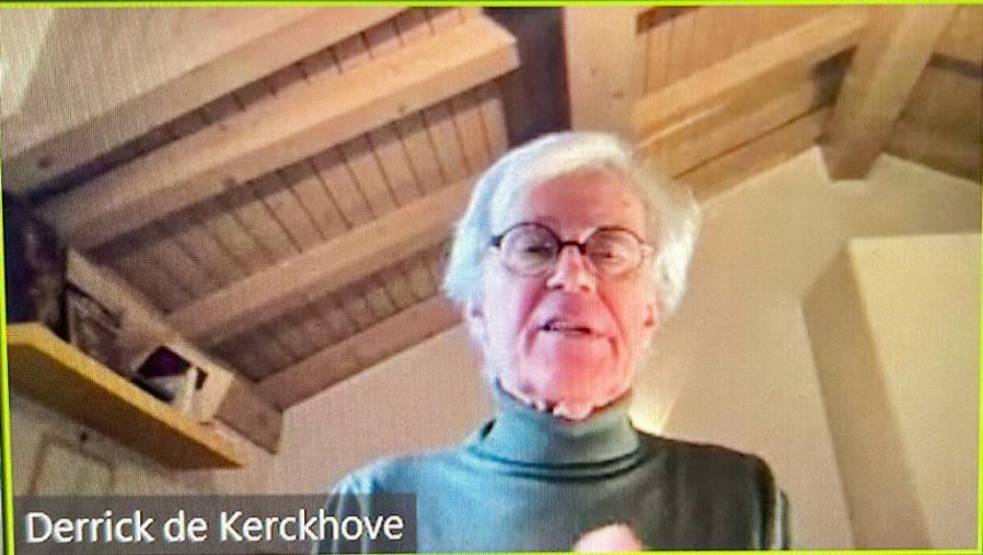 """images Intelligence. Derrick de Kerckhove al Master dell'Unical: """"Nello scontro tra le intelligenze il nostro futuro è quantico"""""""