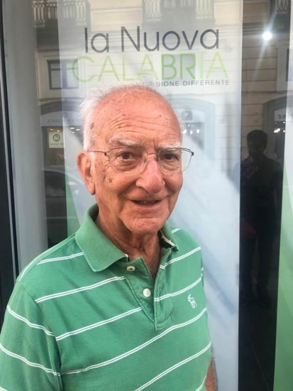 """images Donato Veraldi a La Nuova Calabria: """"Il vostro contributo sarà di qualità perché siete liberi"""""""