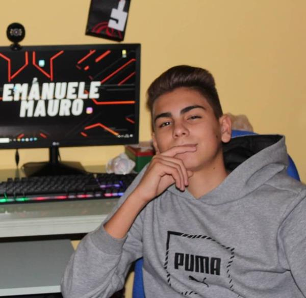 images Emanuele Mauro, l'astro nascente di Youtube è un tredicenne di Catanzaro