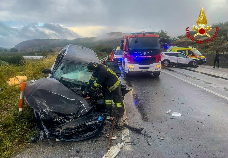 images Due incidenti stradali nel cosentino: 5 feriti