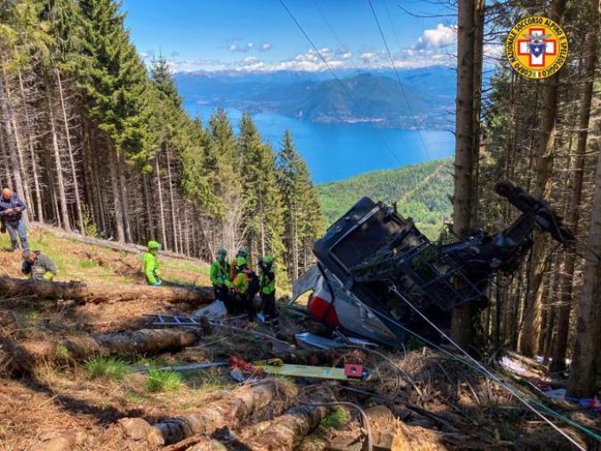 images Tragedia della funivia Stresa-Mottarone: morti due calabresi (I NOMI)