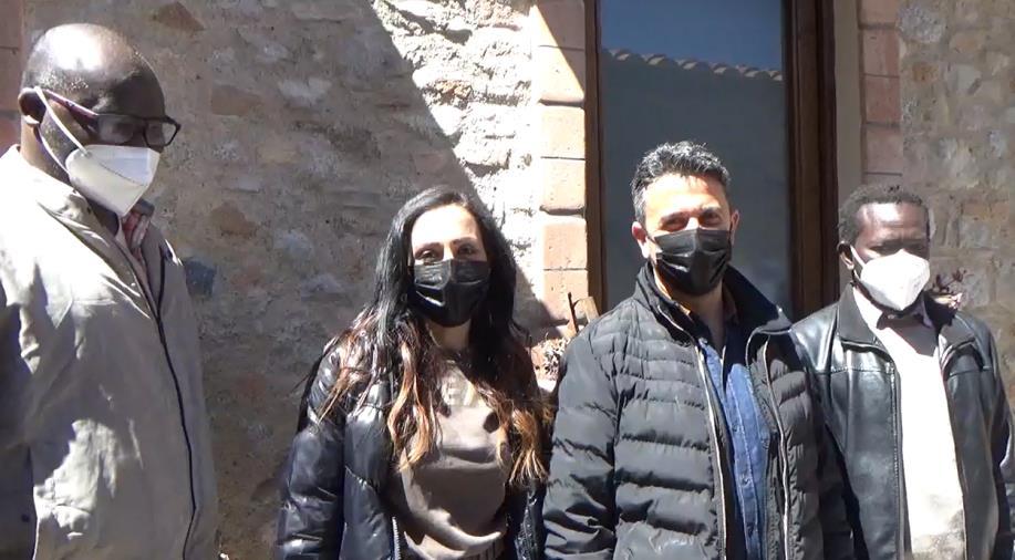 """images Camini Eurocoop Jungi Mundu lancia il crowdfunding solidale """"Fuori dal buio""""per la sicurezza dei braccianti sulle strade"""