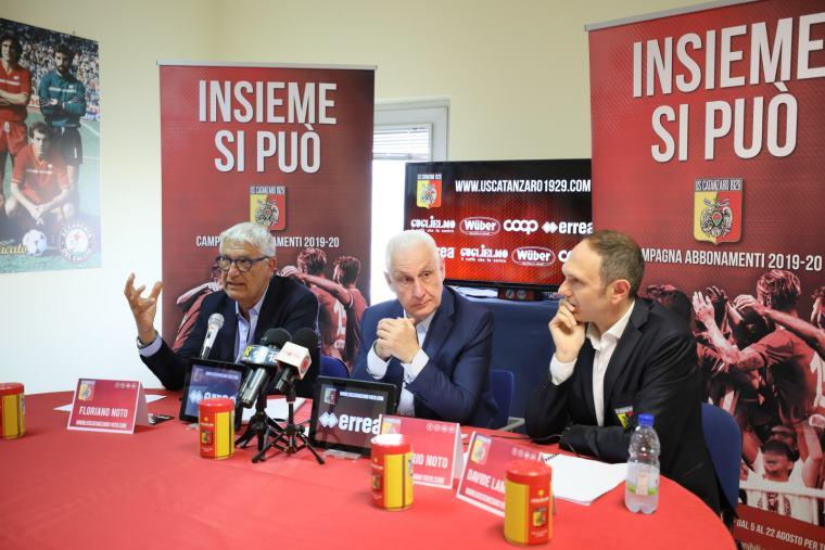 """images Catanzaro calcio, """"Insieme si può"""" tornare in B (VIDEO)"""