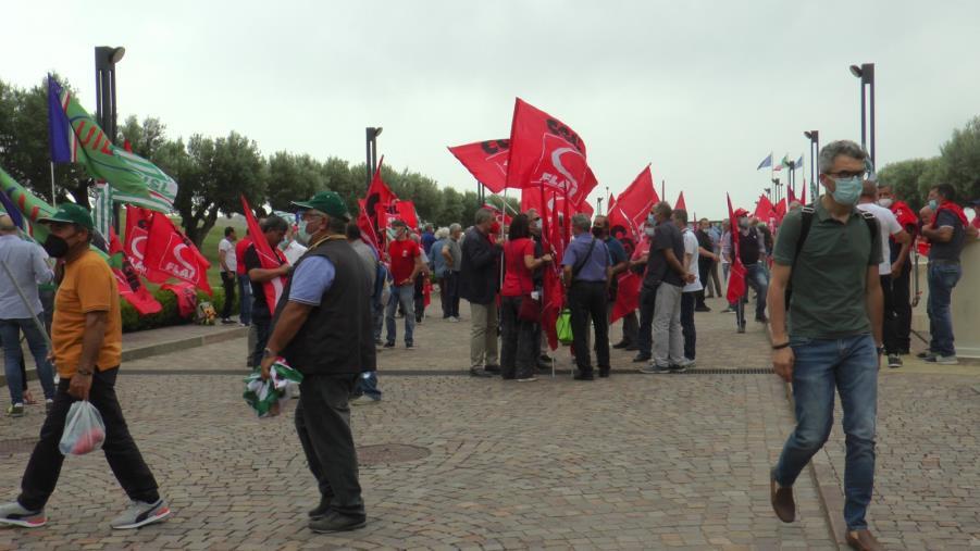 """images Catanzaro. La protesta dei forestali alla Cittadella: """"Chiediamo più risorse, sicurezza sul luogo di lavoro e ricambio generazionale"""""""