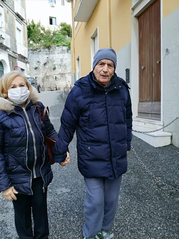"""images Coronavirus. Correggia (PerLe Demenze. Famiglie Unite Calabria): """"Garantire alle persone con demenze la possibilità di brevi uscite sotto casa in sicurezza"""""""