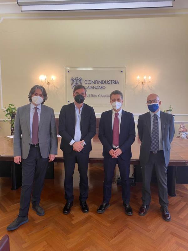 "images ""Calabria competitiva"": il presidente Unindustria Ferrara incontra Fincalabra"