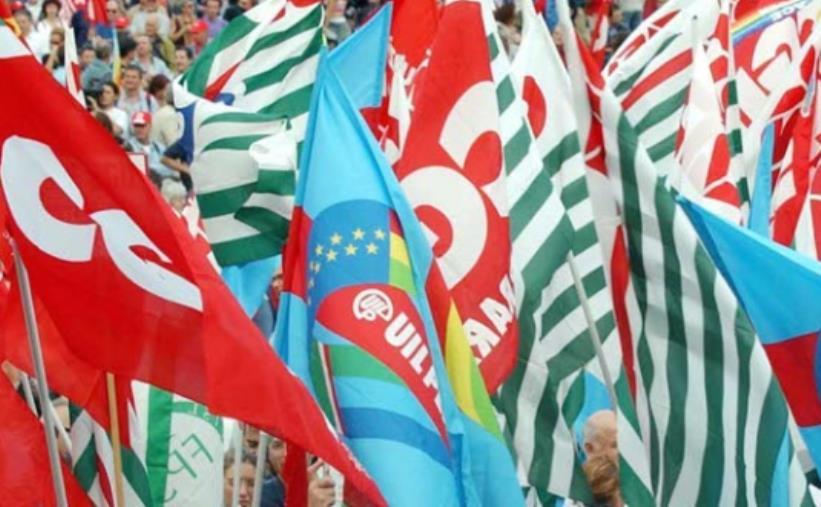 images Rilancio economico. I sindacati siglano un documento in vista della mobilitazione del 27 aprile davanti alla Prefettura di Catanzaro
