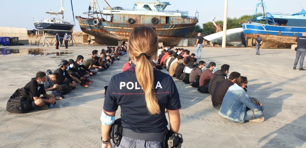 images Emergenza sbarchi in Calabria, a settembre quasi 1100 migranti arrivati sulle coste del Reggino