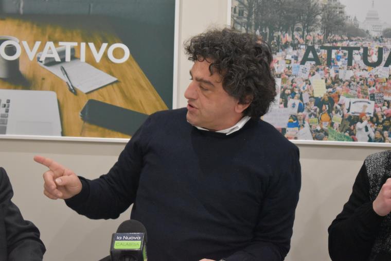 """images Porto di Gioia Tauro, Aiello (M5S): """"Lavoreremo per attivare la linea ferroviaria"""""""
