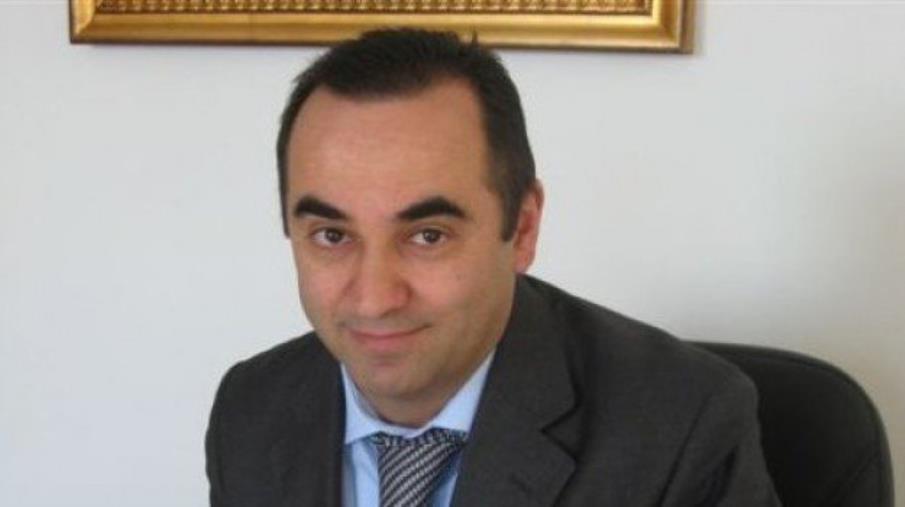 """images Minacce di morte al sindaco di Guardavalle. Lasciata su un muro la scritta """"Ussia infame, uomo morto"""""""