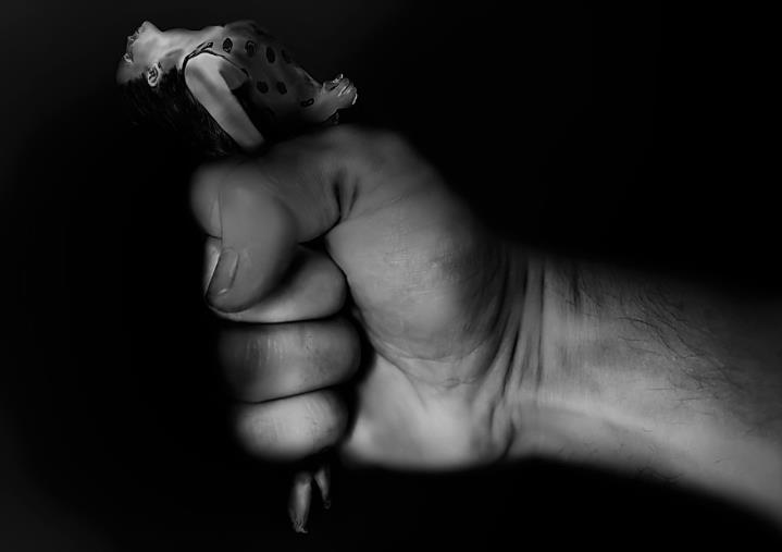"""images """"No woman No cry No violence"""", il Comprensivo 'Mattia Preti' di Catanzaro dice no alla violenza di genere"""