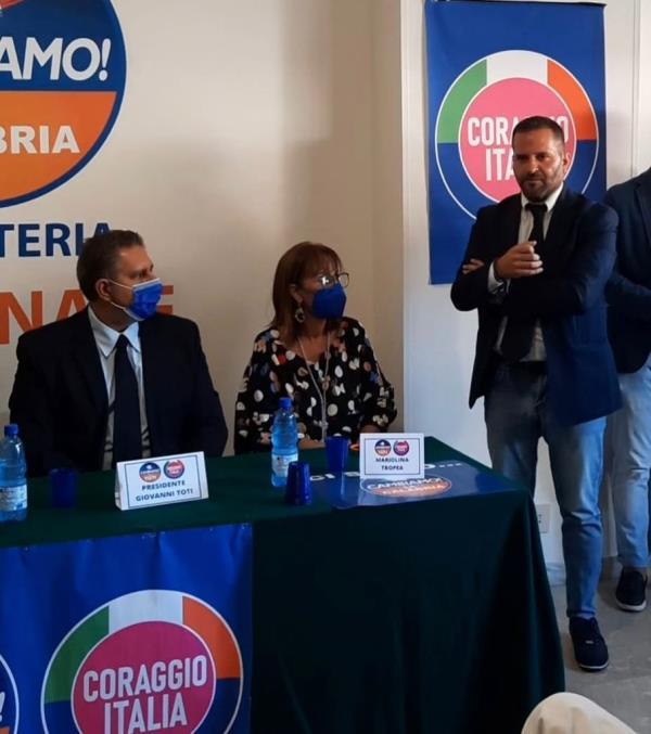 """images Santacroce aderisce a Coraggio Italia: """"Pronto alle Regionali e a organizzare il partito per le amministrative di Catanzaro"""""""