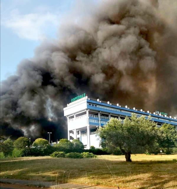 images Lamezia Terme. Incendio a Scordovillo, il Coordinamento Sanità 19 marzo chiede un tavolo permanente