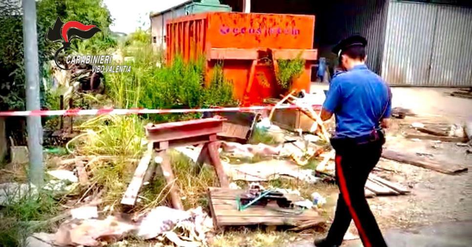images Porto Salvo. Discarica abusiva di rifiuti speciali: i carabinieri sequestrano un'area di 200 mq