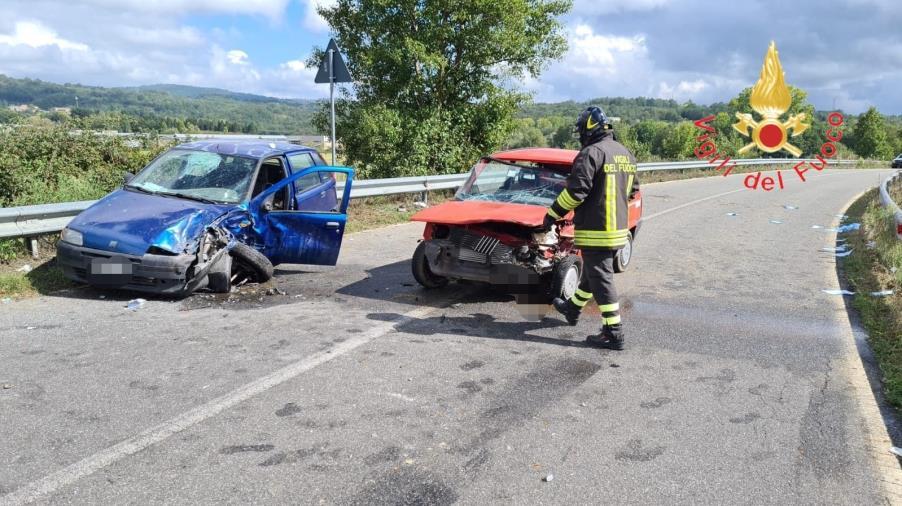 images Scontro fra due auto fra Decollatura e Soveria Mannelli: feriti i conducenti
