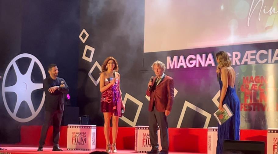 """images MGFF. L'inno alla musica """"Futura"""" di Sanfelice apre la XVIII edizione nell'Area Porto di Catanzaro Lido"""