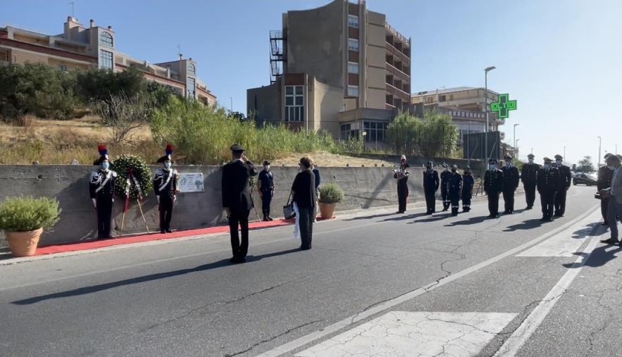 images Soverato. L'Arma dei Carabinieri ricorda i 30 anni dalla morte dell'Appuntato Renato Lio