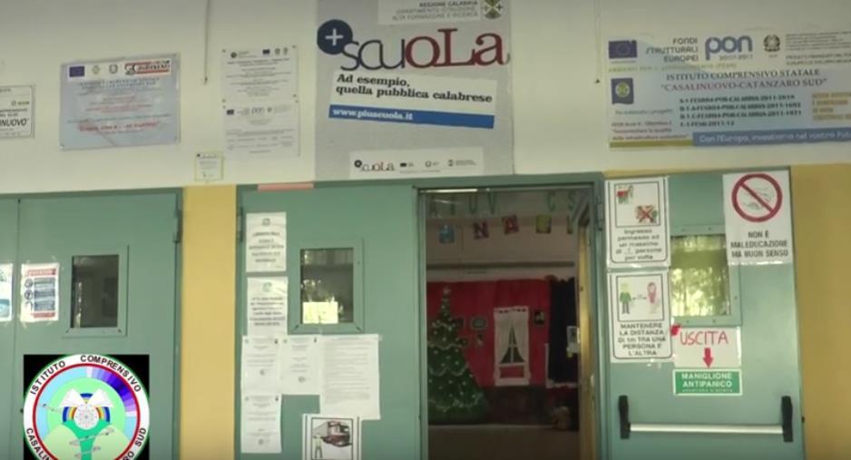images Si aprono le porte dell'Ic Casalinuovo Catanzaro Sud: tra misure anticovid e laboratori didattici, i primi ad essere coinvolti sono sempre gli studenti