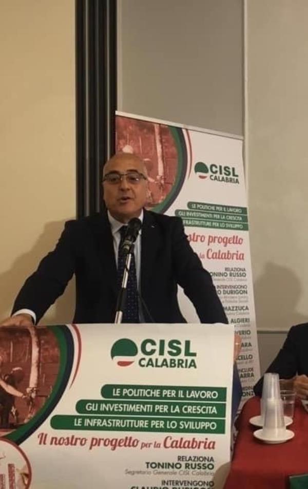 """images Russo (Cisl): """"Accelerare sui vaccini per dare ossigeno all'economia"""""""