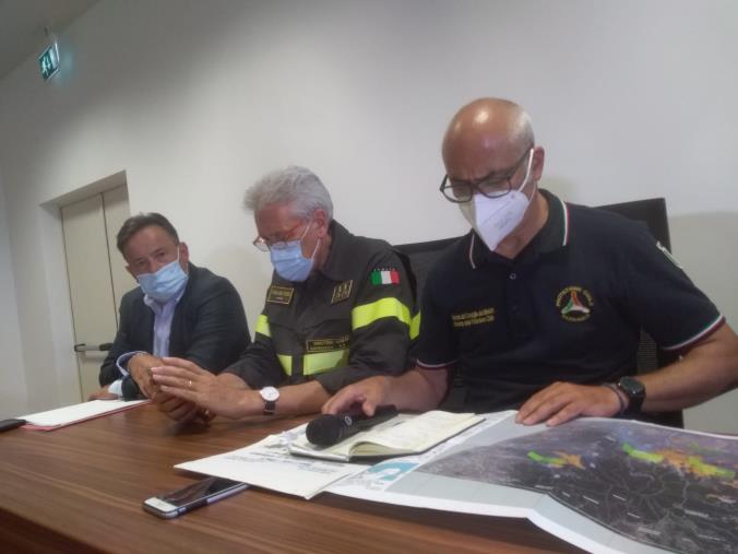 images Lunedì mattina una squadra di operai di Calabria Verde comincerà con la pulizia dell'ingresso del Parco Li Comuni