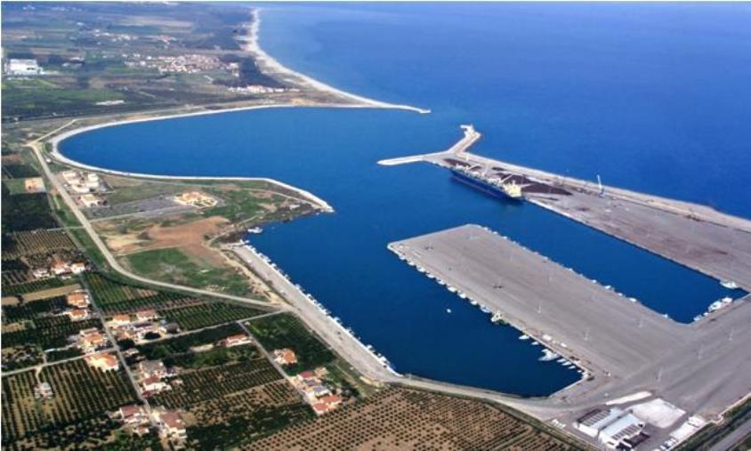"""images Porto di Corigliano Rossano, Foti (FdI): """"Serve un Piano strategico per lo sviluppo di tutti i settori di attività correlati allo stesso"""""""