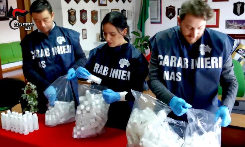 images Coronavirus. Sequestrate nel Reggino oltre 1500 confezioni di gel senza autorizzazioni. Denunciati tre rappresentanti legali di attività commerciali (VIDEO )