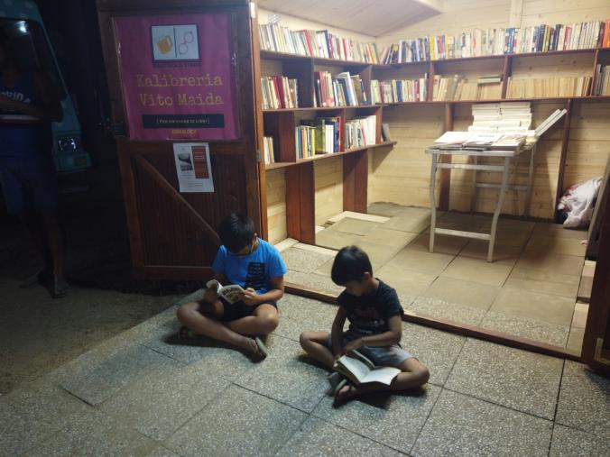 images Soverato, Kalibreria ed i ragazzi che spacciano libri (VIDEO)
