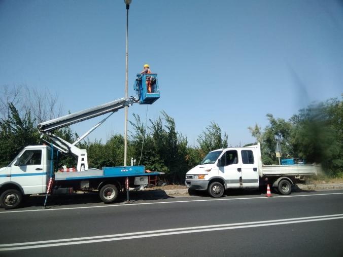 images Illuminazione statale 106, lavori in corso sul tratto Crotonese