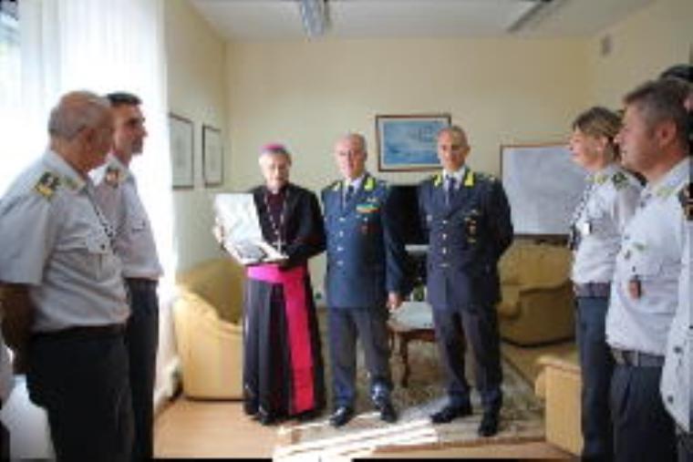 images Lamezia Terme, il vescovo incontra la Guardia di finanza