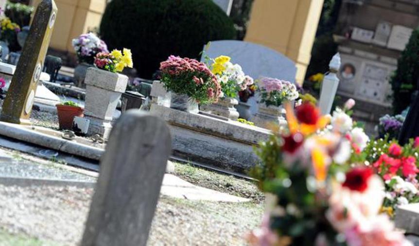"""images Lamezia Terme, Nicotera (Ps): """"Nei cimiteri mancano i loculi. Liberi solo i campi comuni come nelle guerre"""""""