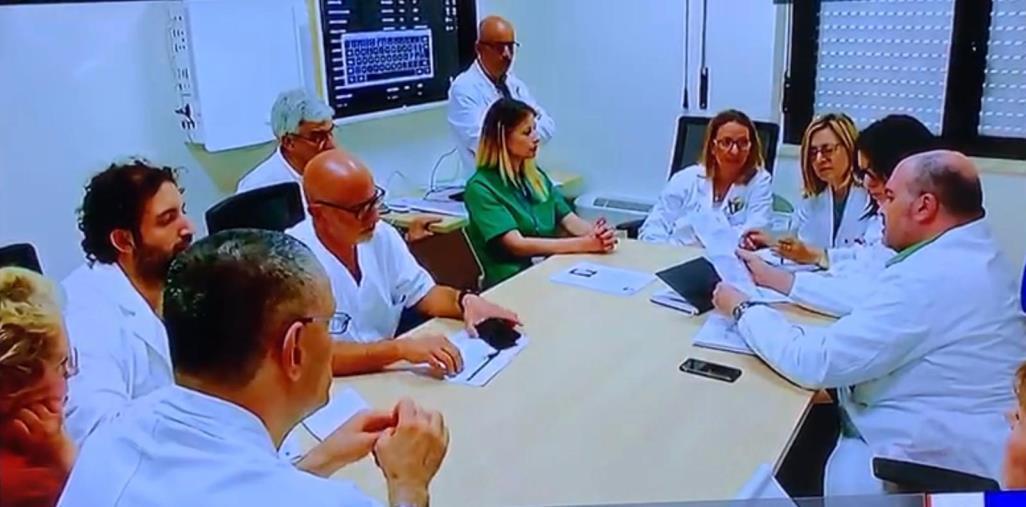 """images Cancro al seno, con l'èquipe del dott. Abbonante all'ospedale """"Pugliese"""" la cura è nel corpo e nello spirito"""