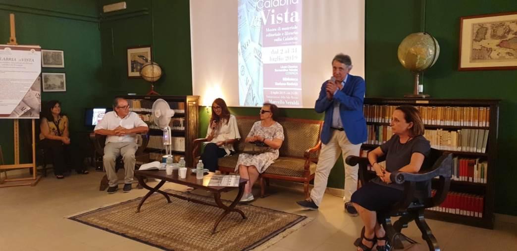 """images """"Calabria riVista"""", mostra inaugurata al liceo Telesio. Sarà aperta fino al 31 luglio"""