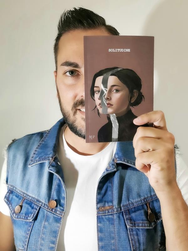 images Cultura. Il giovane scrittore catanzarese Marco Angilletti sul podio in diversi premi letterari