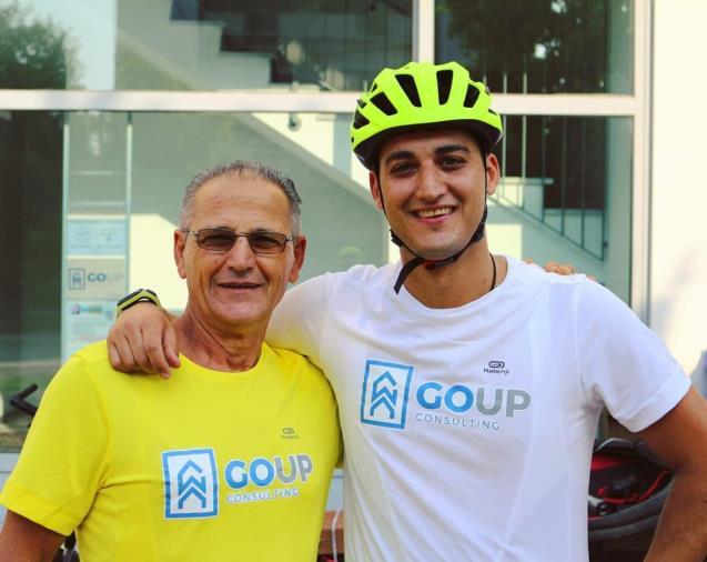 """images Padre e figlio da Parma a Cutro in bicicletta per tornare """"a casa"""" (VIDEO)"""