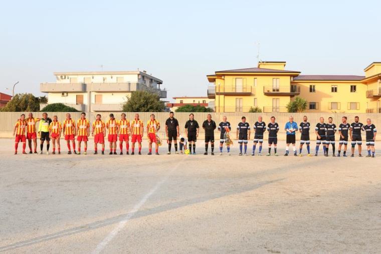 """images """"Memorial Tonino Corasaniti"""", a Davoli con le """"vecchie glorie"""" del Catanzaro la magia del calcio che fu"""